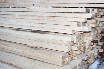 Обрезная доска 50х100х6000 мм из хвойного леса