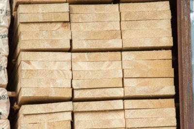Обрезная доска 25х200х6000 мм из сосны и ели